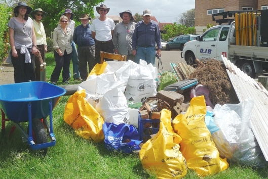 FoMH volunteers with the rubbish they removed from the National Park
