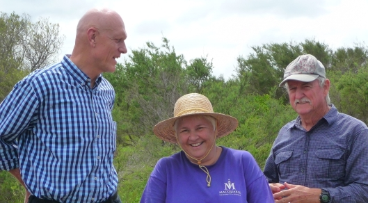 Peter Garrett with Claire Bettington, our Clean Up Australia day Coordinator and Don Kerr, Bushcare Cordinator for the Western Bushland.